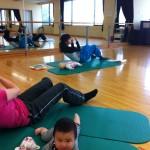 「ママクラブ朝活体幹メゾットダイエット赤ちゃんと同室でしっかりお腹腹筋や腰回りお尻の引き上げクラス」